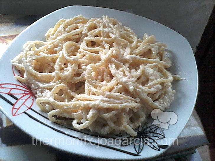 Espaguetis a la crema for Como cocinar espagueti