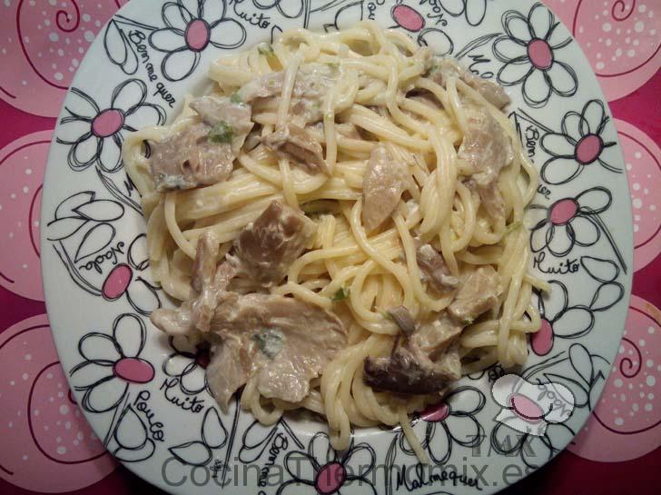 Salsa para espaguetis con setas y queso azul