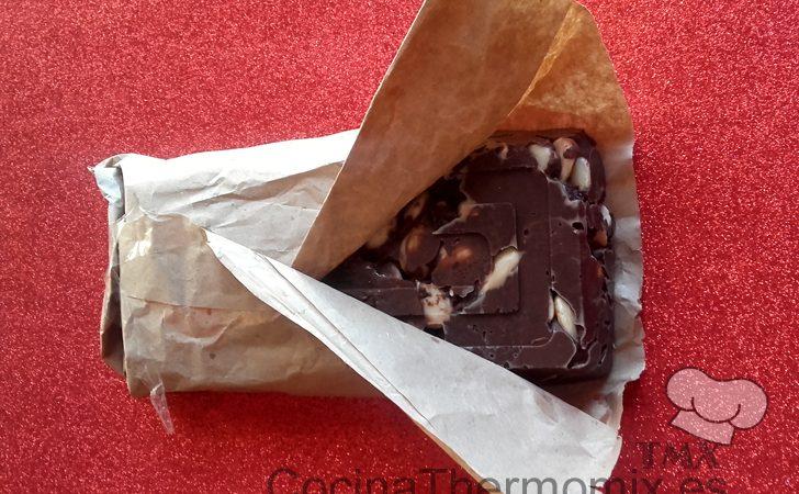 Turrón de chocolate y leche condensada